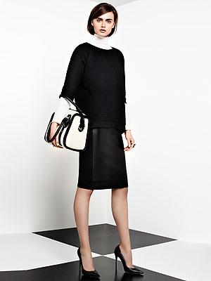 2-whitebag-blackskirt-mdn