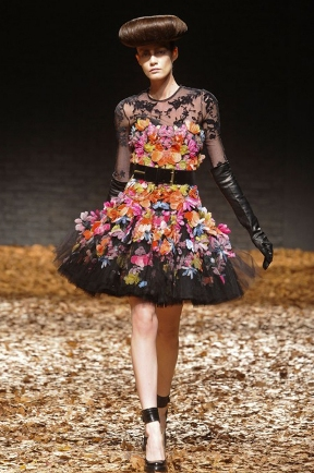 Floral-Trend-Reinvented-for-Fall-1